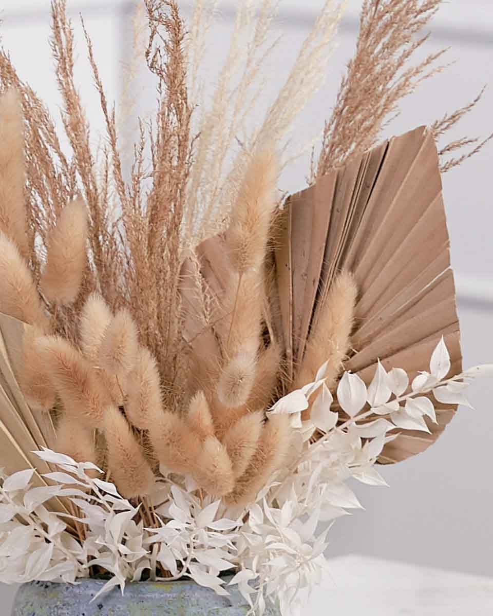 detailed photo of dried beige arrangments